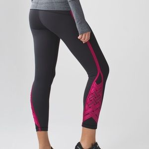 Lululemon Pace Tight *Weave Berry Rumble Size 6